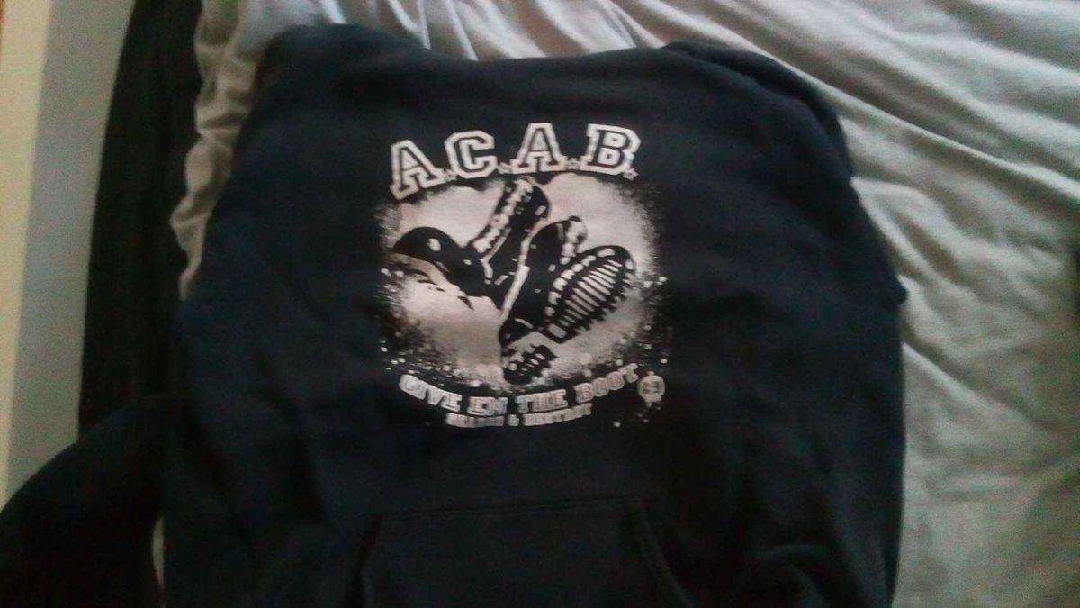 ACAB Auftruck auf einem Pulli
